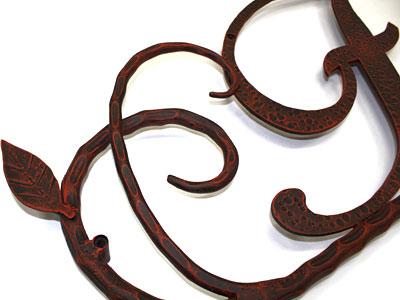 アイアン妻飾り・イニシャルオーナメント/サビにくい鉄製ハンドメイド/植物・葉・リーフ/io-f